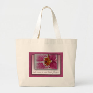 Tarde el tiempo para oler las flores bolsas de mano