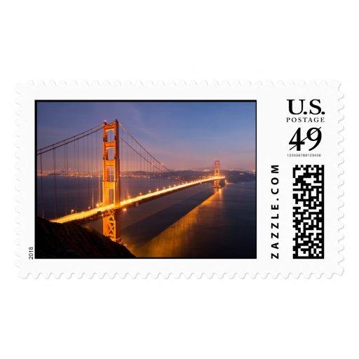 Tarde en el franqueo de puente Golden Gate