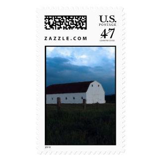 Tarde en el granero en el granero sellos