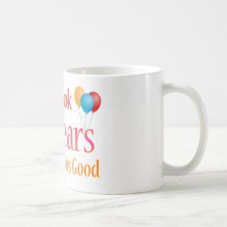 Tardó 40 años para mirar esto bueno taza de café