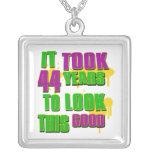 Tardó 44 años para mirar esto bueno joyerías