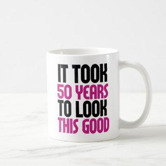 Tardó 50 años para mirar esto bueno taza de café