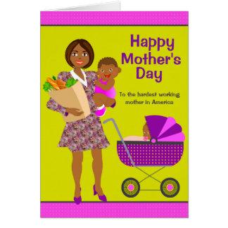 Tarjeta afroamericana ocupada del día de madre de