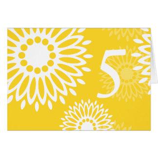 Tarjeta amarilla del número de la tabla de las flo