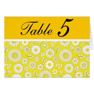 Tarjeta amarilla floral del número de la tabla del