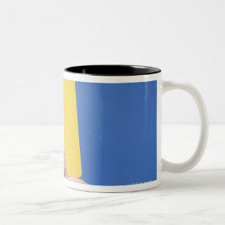 Tarjeta amarilla tazas de café
