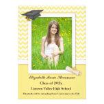 Tarjeta amarilla y blanca de la foto del graduado