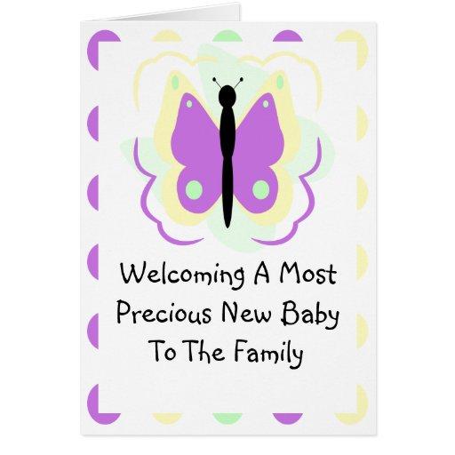 Tarjeta amarilla y púrpura bonita de la invitación