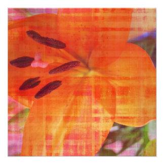 Tarjeta anaranjada de la invitación del arte abstr