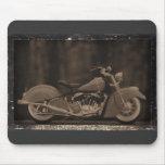 Tarjeta Antiqued de la foto de la motocicleta Tapete De Raton