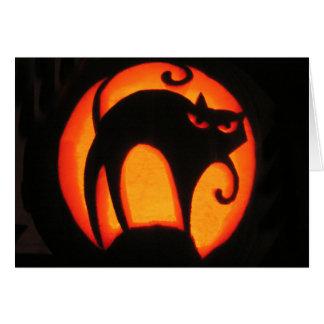 Tarjeta asustadiza del gato de Halloween