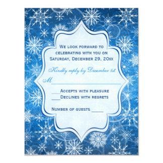 """Tarjeta azul y blanca de RSVP de los copos de Invitación 4.25"""" X 5.5"""""""