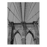 Tarjeta blanco y negro del puente de Brooklyn Tarjetas Postales
