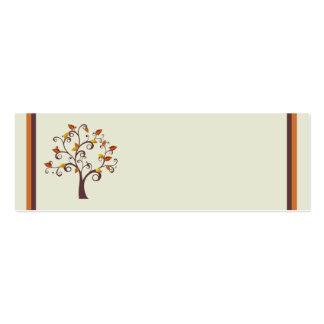 Tarjeta caprichosa del lugar del árbol de la caída plantillas de tarjetas personales