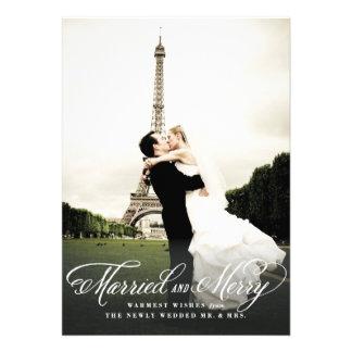 Tarjeta casada y feliz de la foto del día de fiest anuncio