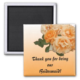 tarjeta color de rosa anaranjada de la invitación  imán cuadrado