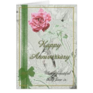 Tarjeta color de rosa del aniversario
