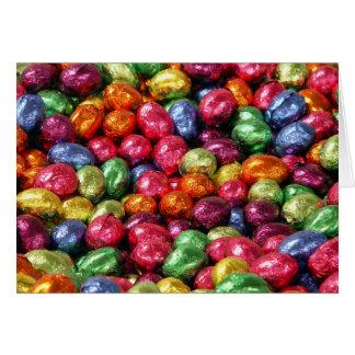 Tarjeta colorida de los huevos de Pascua del choco