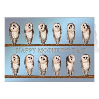 Tarjeta curiosa del día de madre de los búhos