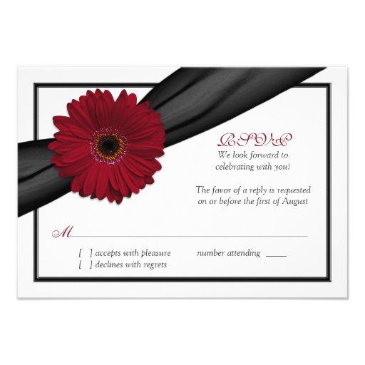 Tarjeta de contestación de color rojo oscuro del b invitaciones personales