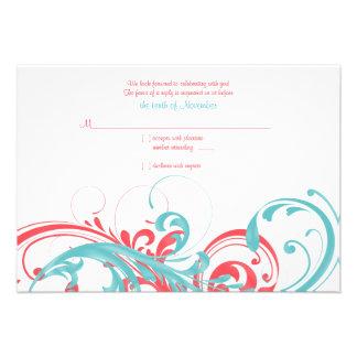 Tarjeta de contestación floral del boda del coral