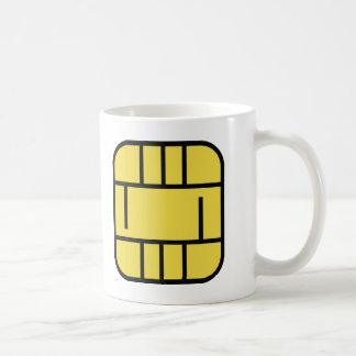 tarjeta de crédito del microchip taza clásica