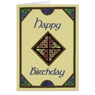 Tarjeta de cumpleaños céltica del diseño