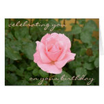 Tarjeta de cumpleaños color de rosa rosada hermosa