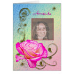 Tarjeta de cumpleaños con un color de rosa