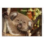 Tarjeta de cumpleaños de la abrazo de la koala
