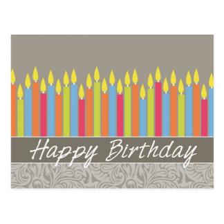 Tarjeta de cumpleaños de la oficina con las velas tarjetas postales