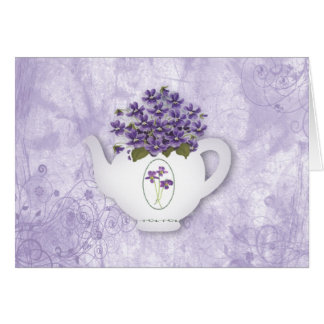 Tarjeta de cumpleaños de las violetas de la tetera