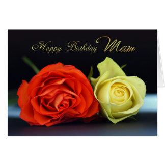 Tarjeta de cumpleaños de Mam con los rosas del nar