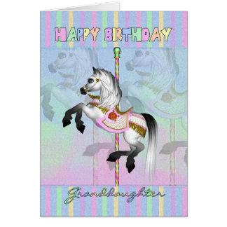 Tarjeta de cumpleaños del carrusel de la nieta - c