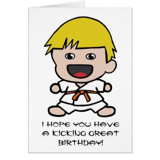 Tarjeta de cumpleaños del karate para los muchacho