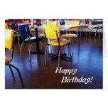 Tarjeta de cumpleaños deliciosa de las sillas