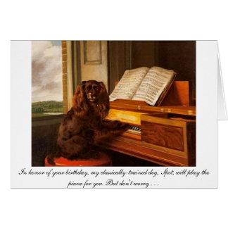 Tarjeta de cumpleaños divertida con el perro y el