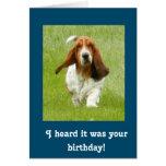 Tarjeta de cumpleaños divertida de Basset Hound