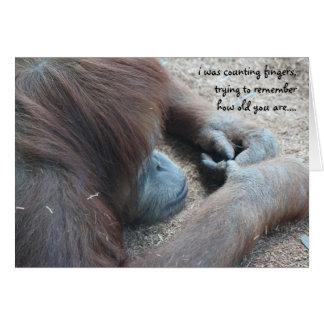 Tarjeta de cumpleaños divertida del orangután sob