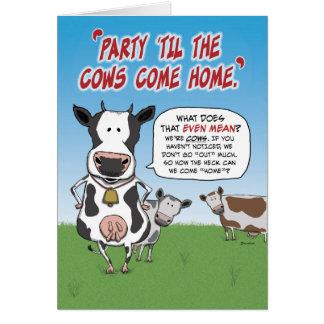 Tarjeta de cumpleaños divertida: Vacas del fiesta