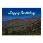 Tarjeta de cumpleaños montañosa