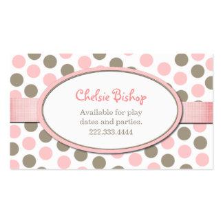 Tarjeta de fecha rosada y de color topo del juego tarjetas de visita