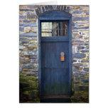 Tarjeta de felicitación azul de la puerta