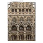 Tarjeta de felicitación con arquitectura gótica de
