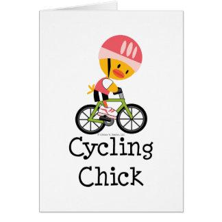 Tarjeta de felicitación de ciclo del polluelo