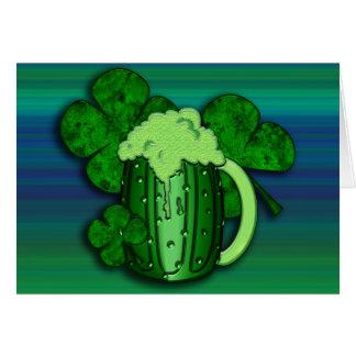 Tarjeta de felicitación de la cerveza del verde