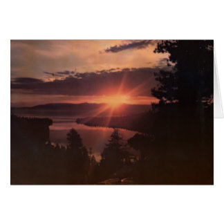 Tarjeta de felicitación de la salida del sol del l