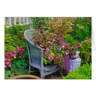 Tarjeta de felicitación de la silla de jardín