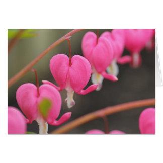 tarjeta de felicitación del corazón sangrante