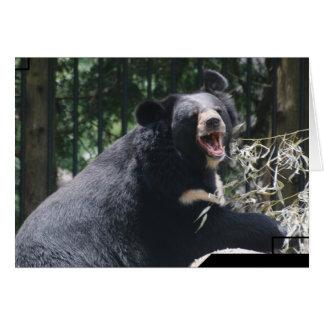 Tarjeta de felicitación del oso el gruñir